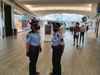 Straż miejska kontroluje noszenie maseczek w sklepach
